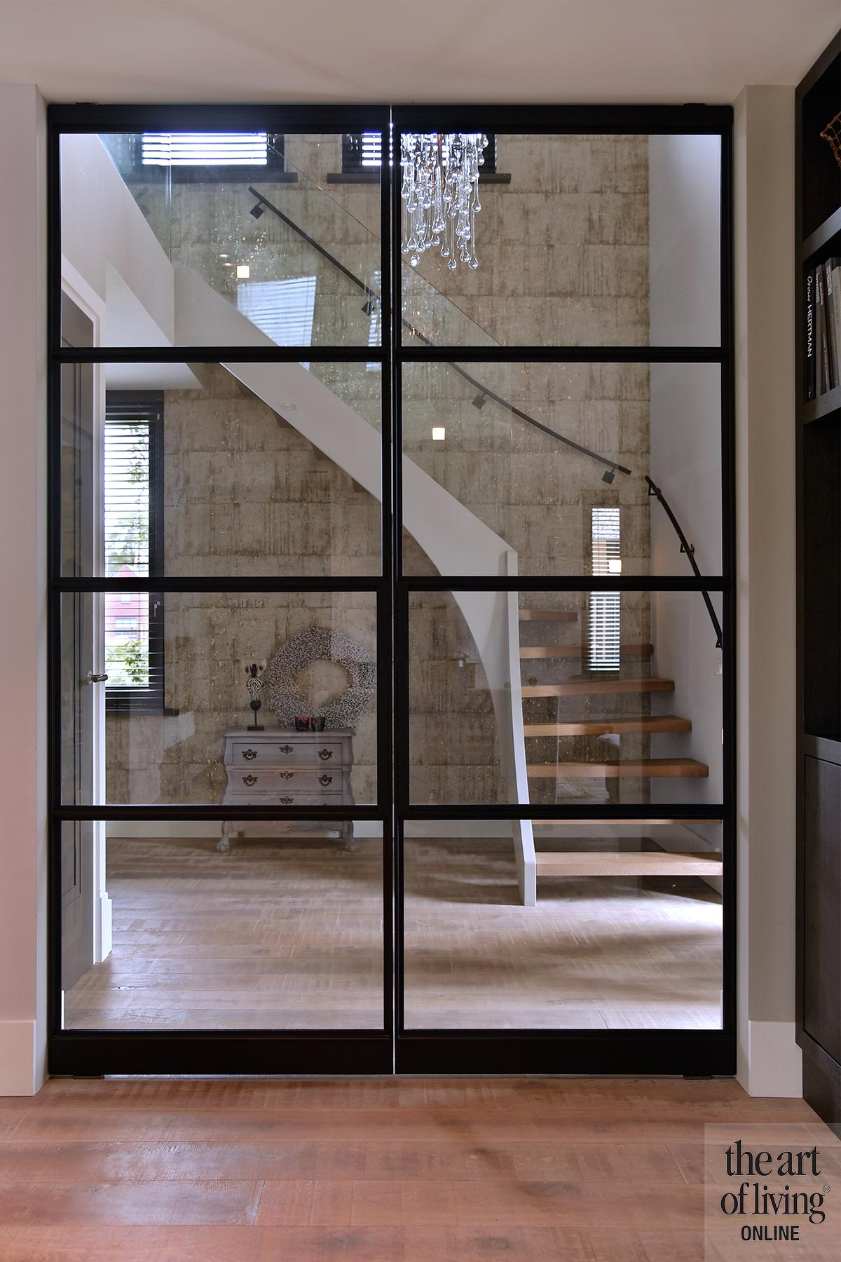 Modern landelijk, de rooy metaaldesign, stalen deuren, openhaard, warm, luxe, exclusief wonen