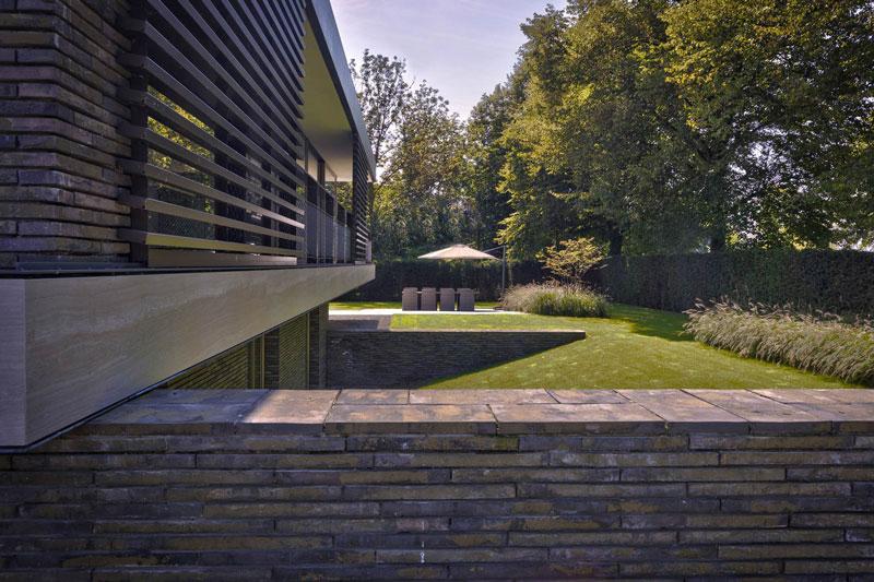 moderne tuin, stoop tuinen, tuindesign, tuinmeubelen, strakke lijnen, riante tuin