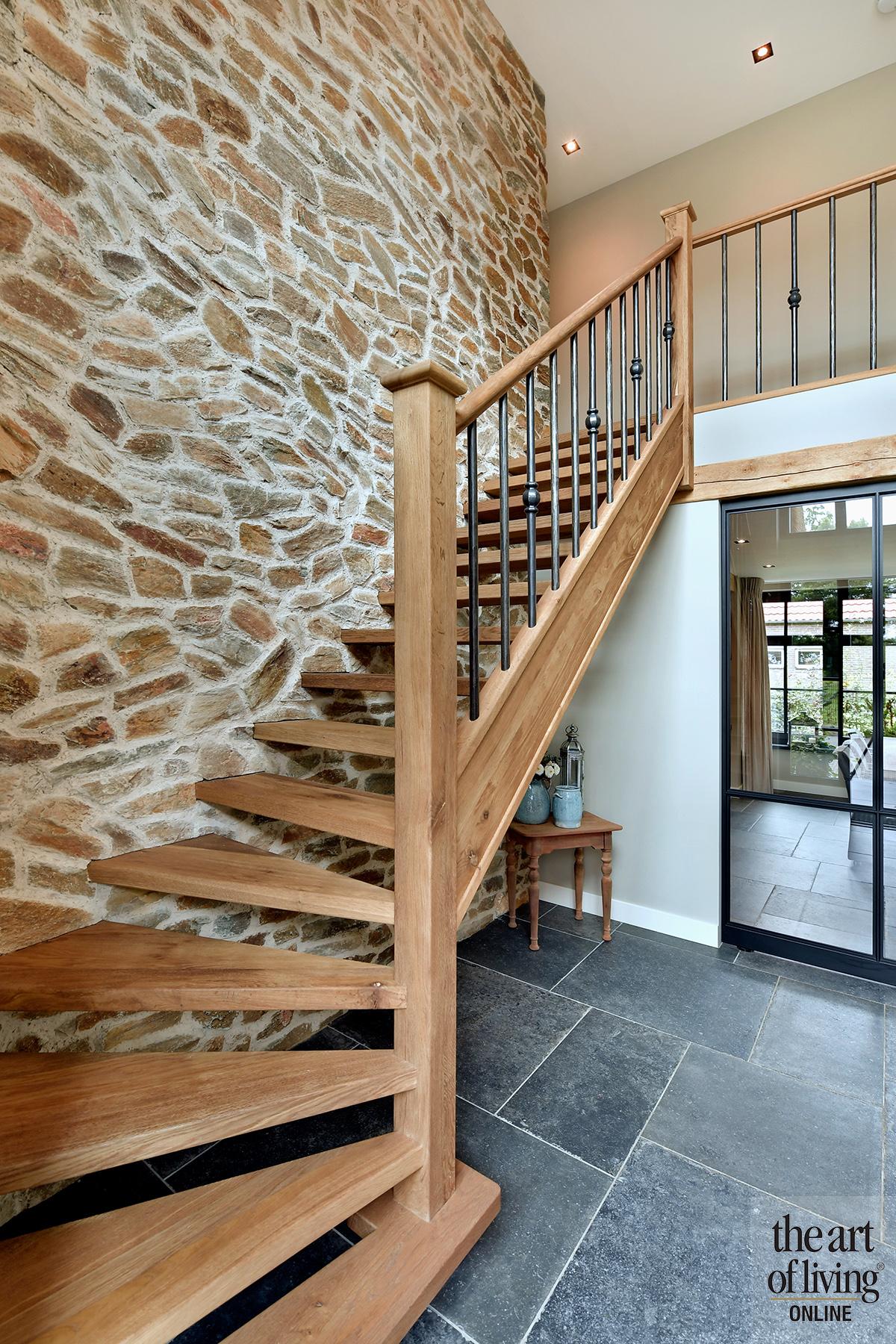 woonboerderij, de rooy metaaldesign, stalen deuren, klassiek, luxe, tegelvloer, hout, exclusief wonen