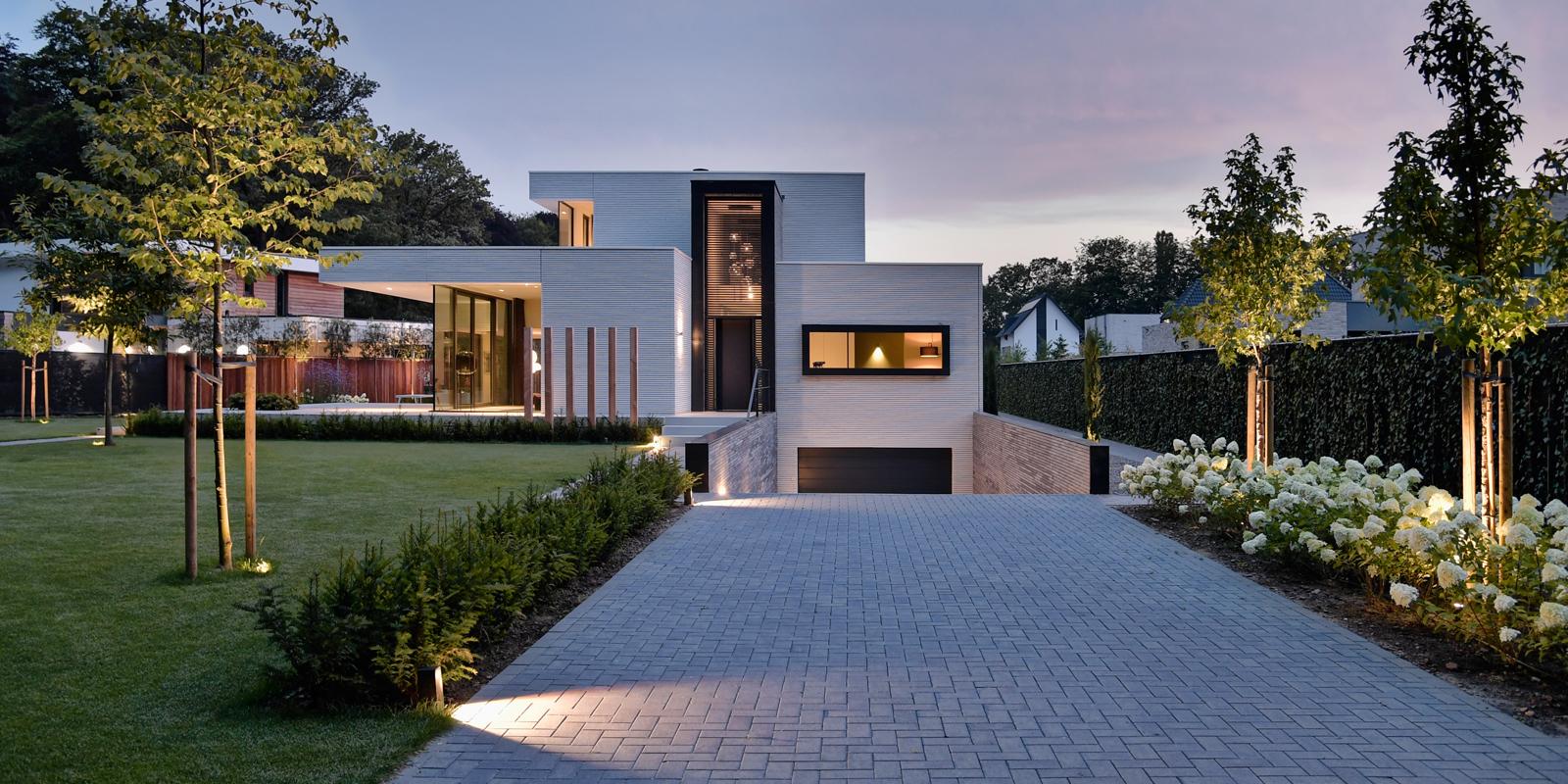 buitenverlichting, In-Lite Design, Frans van Roy, sfeerverlichting, tuinverlichting, tuindesign, zwembad,