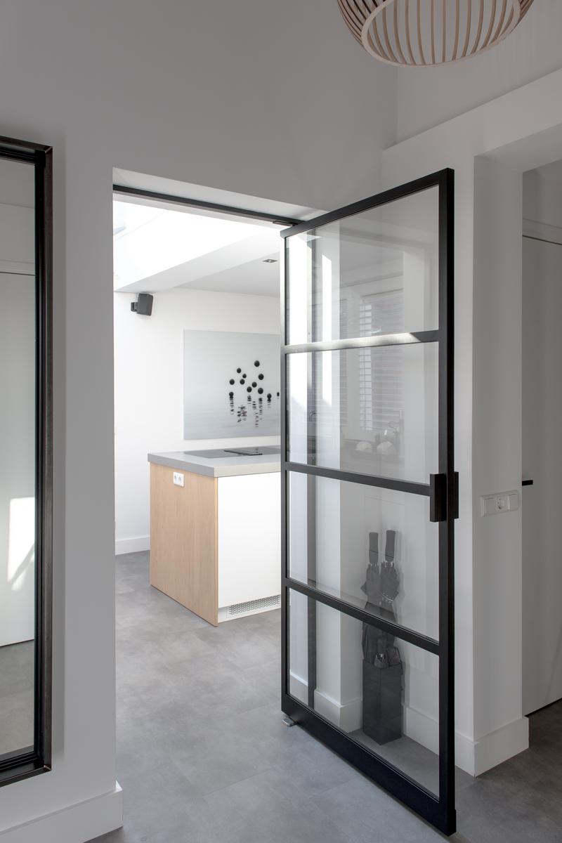 design deur, de rooy metaaldesign, stalen deur, elegant, stoer, luxe, exclusief wonen