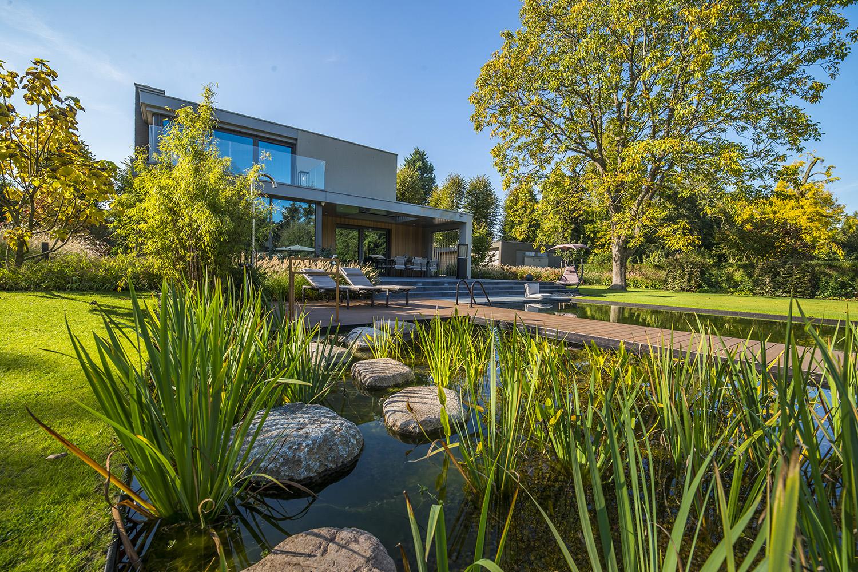 tuin met vijver, Hendriks Hoveniers, tuin, tuindesign, vijver, riante tuin