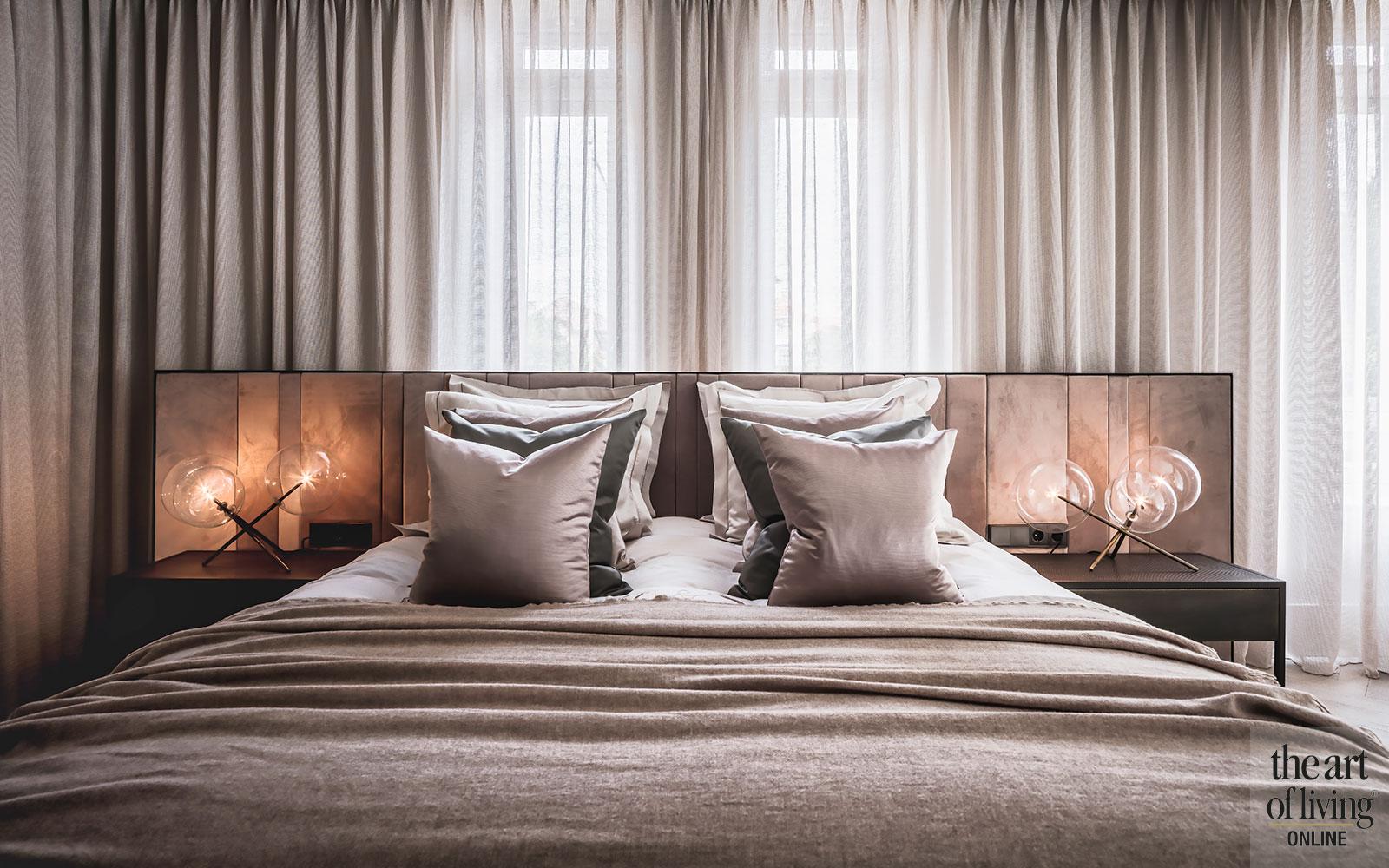 Kabaz, luxe, interieurdesign, houten trap
