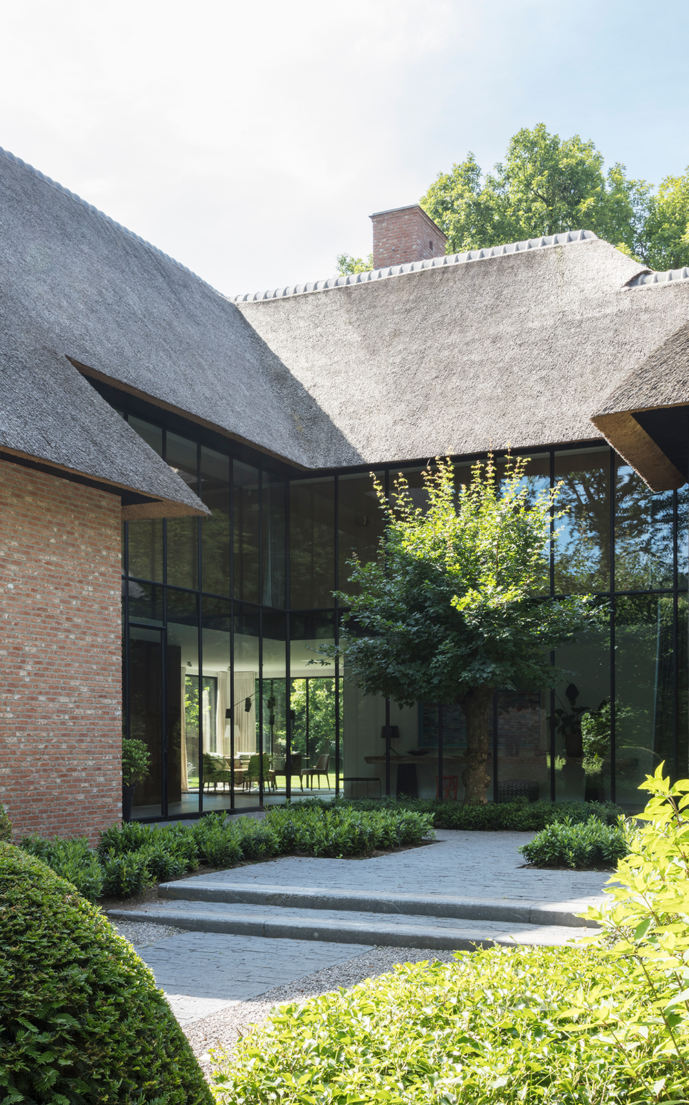 Vlassak Verhulst, Luxueuze villa, villabouw