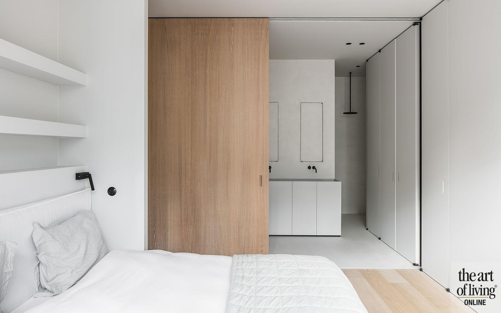 strak, wit, minimalistisch