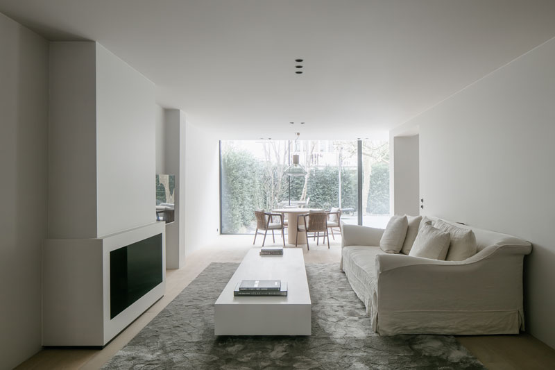 Niels Maier, neutraal, minimalistisch, licht