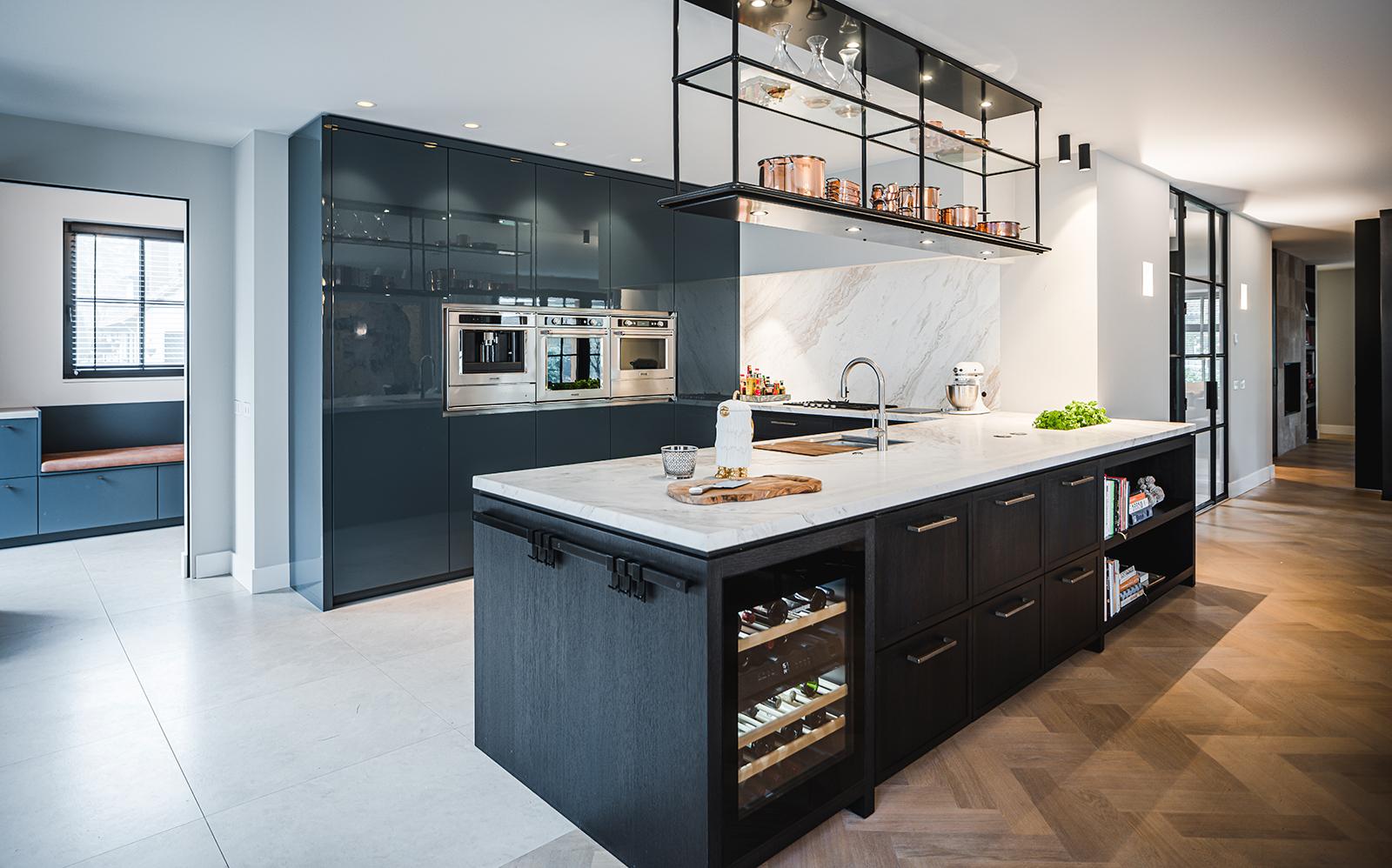 Designkeuken. marmer keukenblad, Astrid jeulink, Culimaat, zwart
