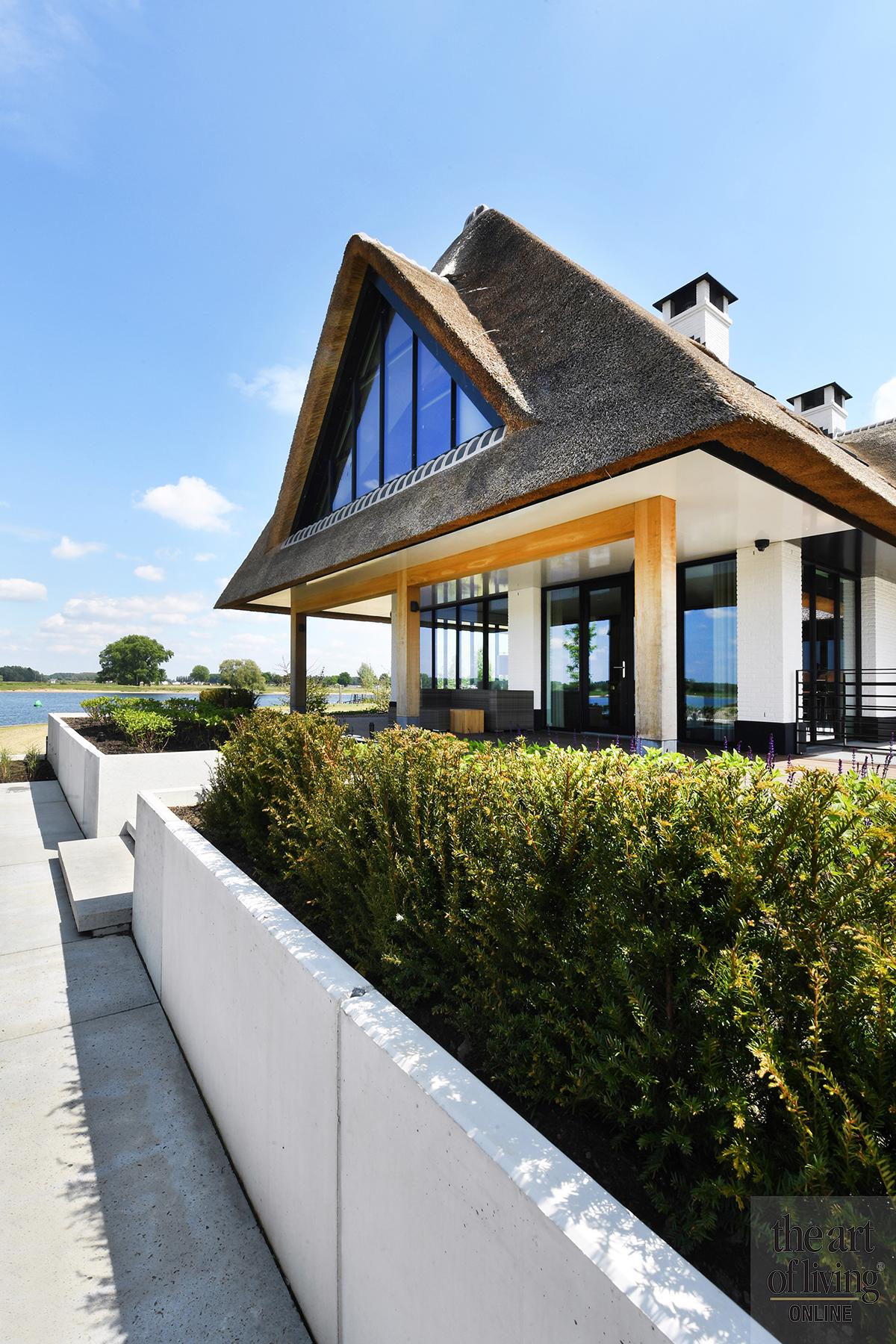 Frank Ruiter, Villa aan het water, the art of living