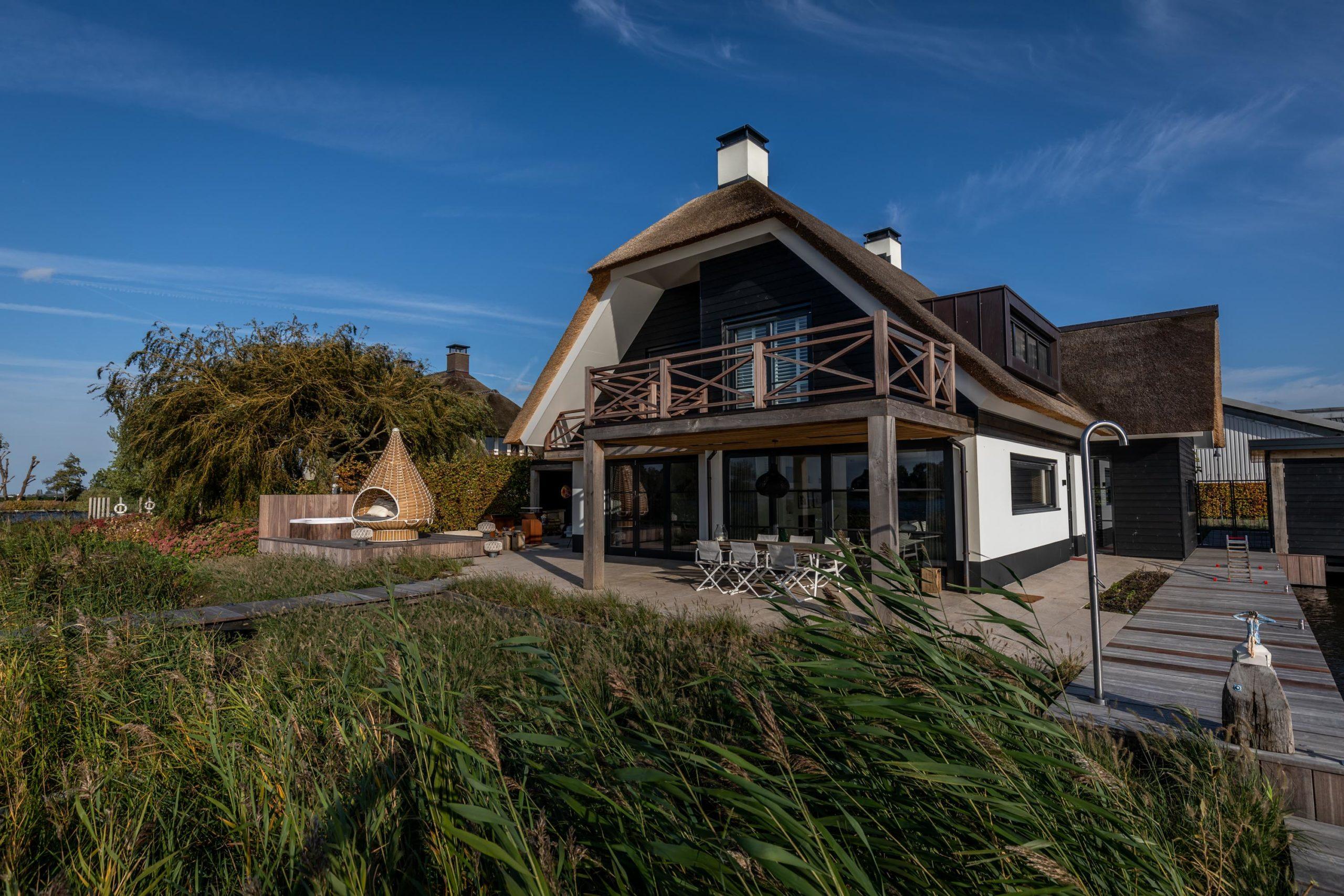 Zeer indrukwekkende maatwerkkeuken, De Vries & Theunissen en OTH architecten, maatwerkkeuken, villa