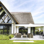 Villa met rieten dak, Legemaat van Elst, The Art Of Living