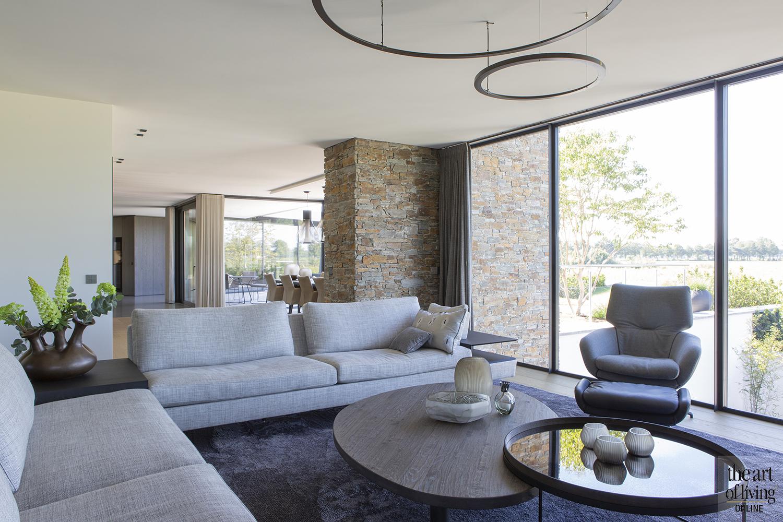 Villa met rieten dak, Van Dinther & Lenz, the art of living