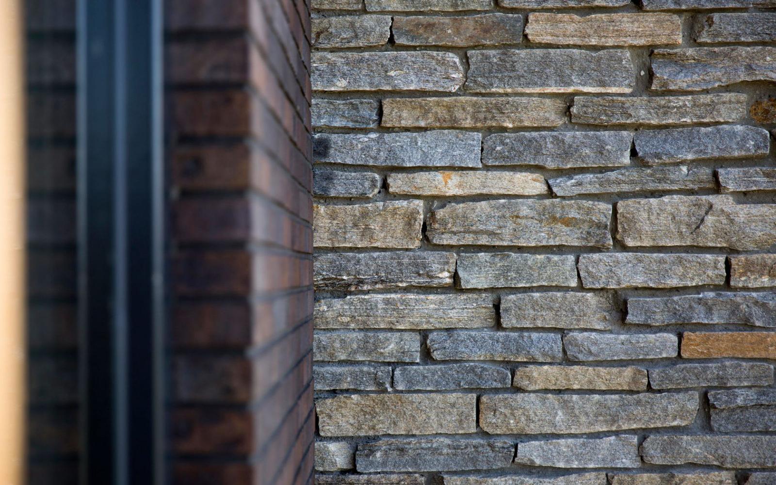Natuurgevelsteen, stenen. natuurlijke materialen