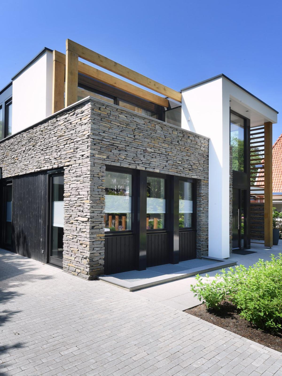 Ede, natuurgevelsteen, Natuurstenen gevel, Moderne statige villa, natuursteen