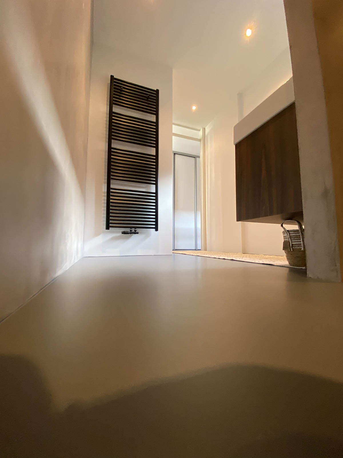 bvl gietvloeren, the art of living, gietvloer badkamer