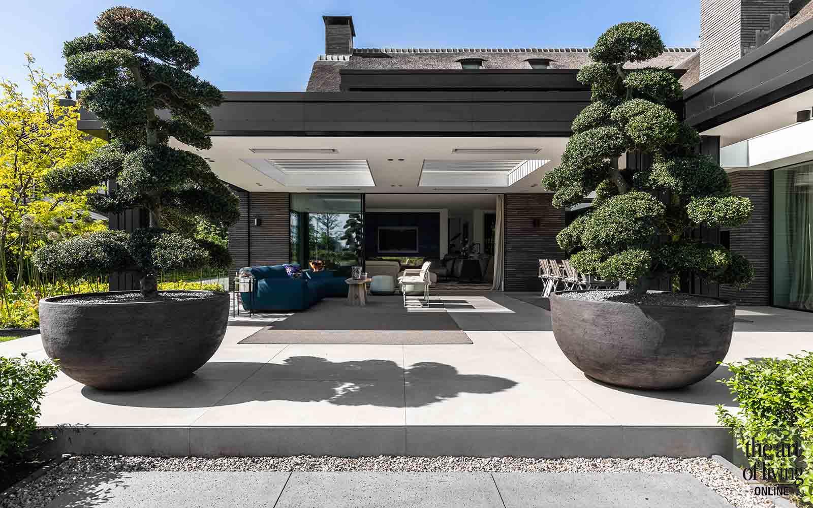villa met rieten dak | NOWA, the art of living