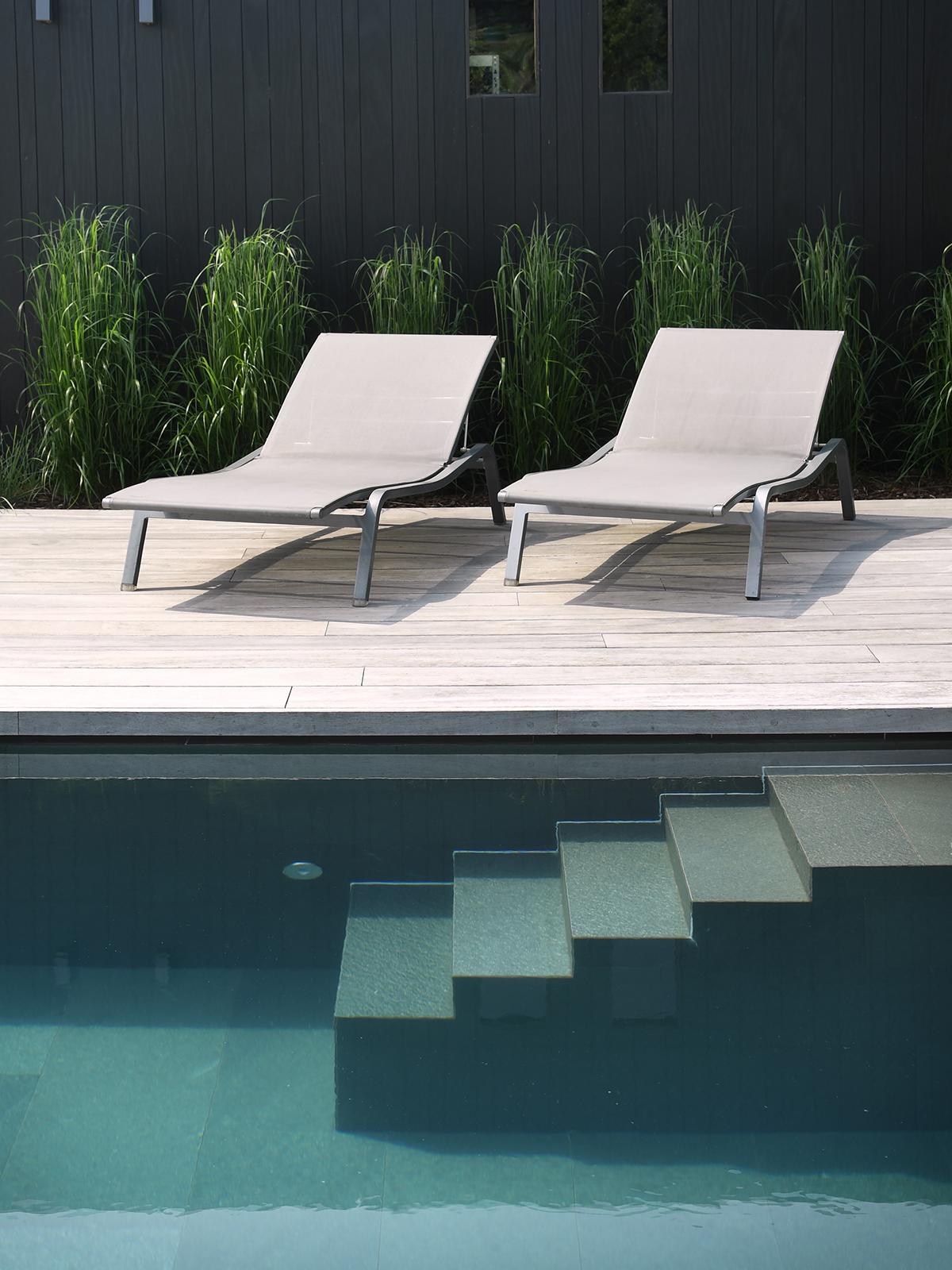Strakke tuin, Willy Naessens, zwembad, buitenzwembad, tuin, The Art Of Living